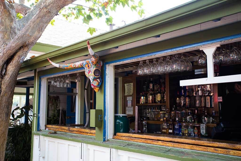 drive-swim-fly-san-juan-bautista-california-jardines-mexican-restaurant-colorful-skull-candy-skull-bar-alcohol