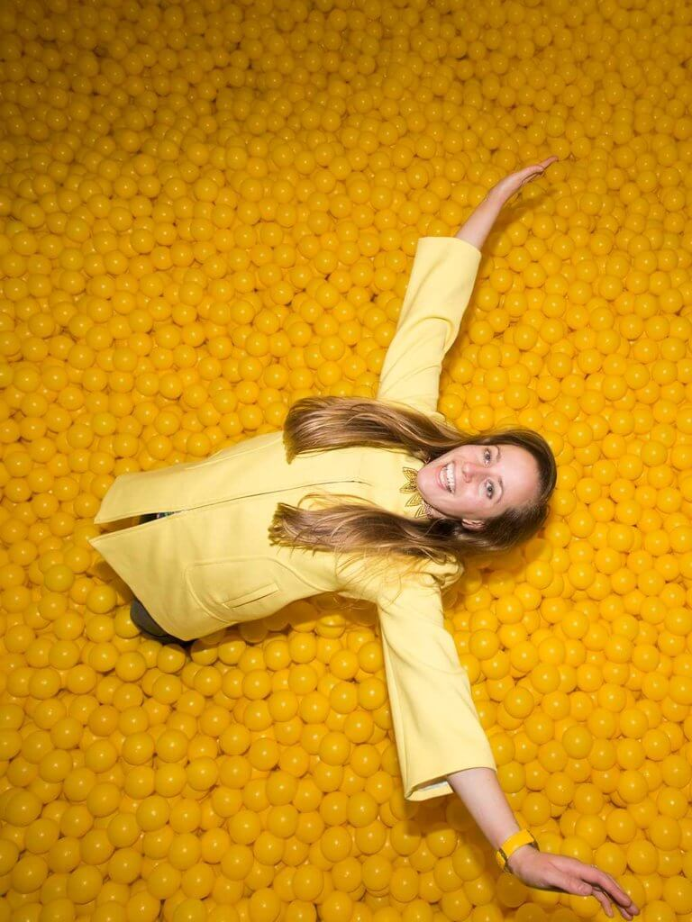 drive-swim-fly-color-factory-san-francisco-union-square-yellow-room-ball-pit-free-fall