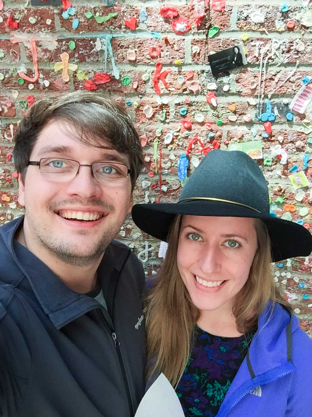 drive-swim-fly-seattle-washington-portland-oregon-vacation-2015-selfietrip-gum-wall