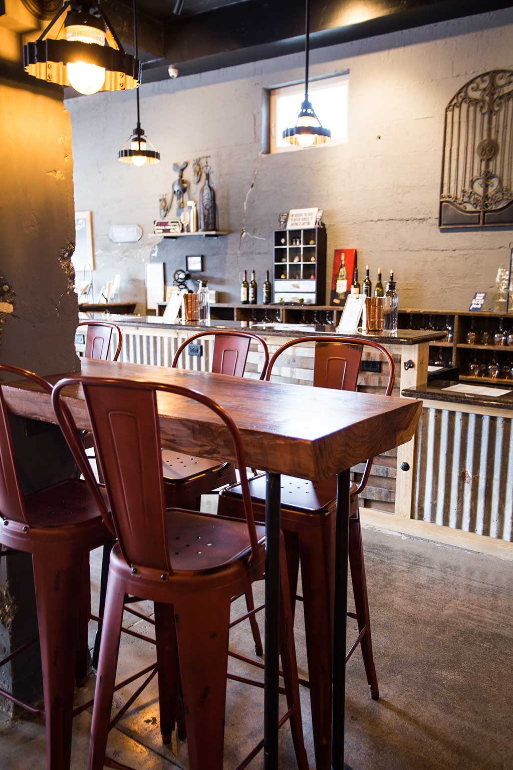 drive-swim-fly-18th-barrel-wine-and-beer-tasting-room-san-juan-bautista-california-alcohol-wine-side-seating