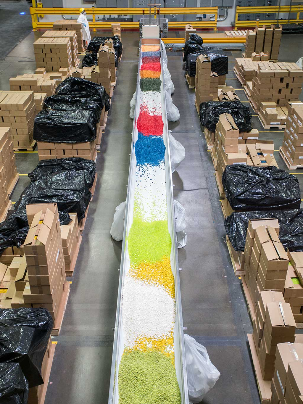 drive-swim-fly-jelly-belly-factory-tour-fairfield-california-conveyer-belt