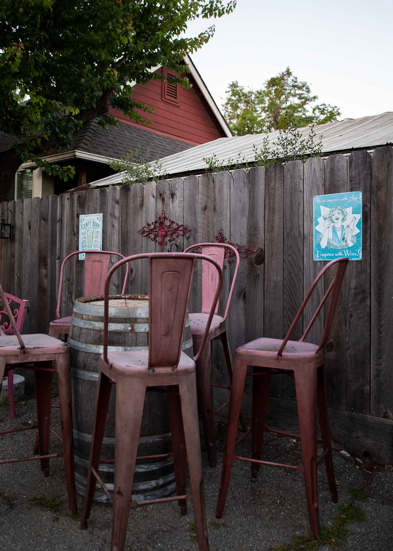 drive-swim-fly-18th-barrel-wine-and-beer-tasting-room-san-juan-bautista-california-alcohol-outdoor-seating-metal-chairs