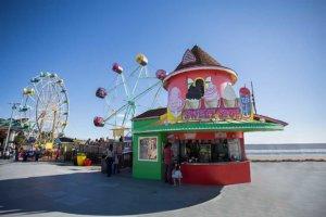 drive-swim-fly-santa-cruz-california-boardwalk-sweet-spot-ferris-wheel-rock-o-plane
