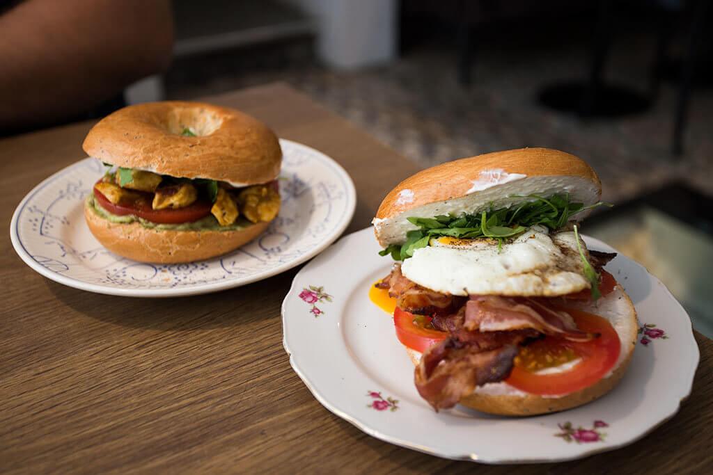 drive-swim-fly-the-netherlands-brugge-bruges-bagel-restaurant-sanseveria-bagelsalon-breakfast-lunch-fresh-hollie-bagel-ron-bagel