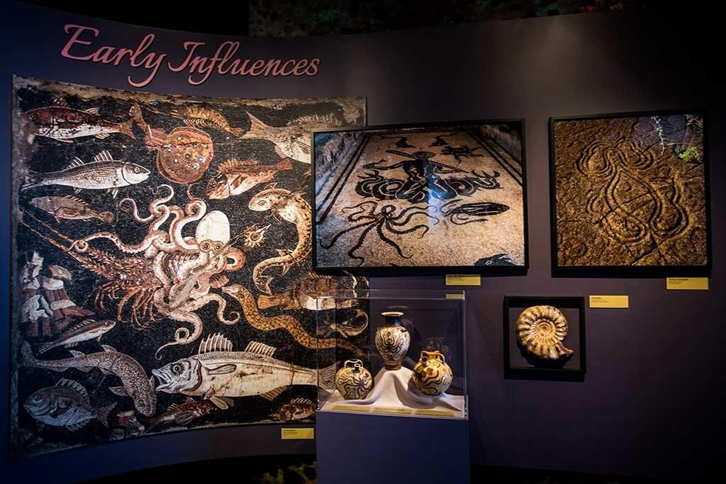drive-swim-fly-monterey-bay-aquarium-california-monterey-peninsula-tentacles-exhibit-art-wall-early-influences