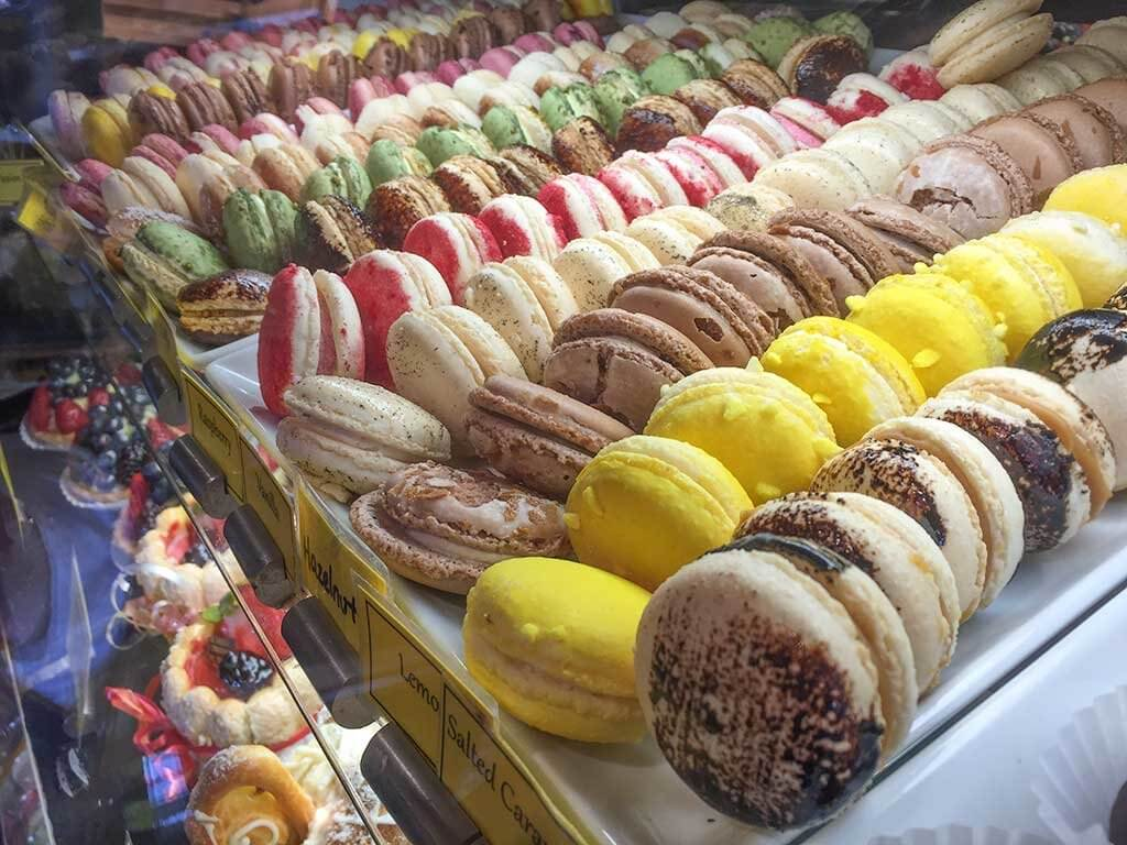 drive-swim-fly-seattle-washington-portland-oregon-vacation-2015-selfietrip-macarons-petite-provence-bakery