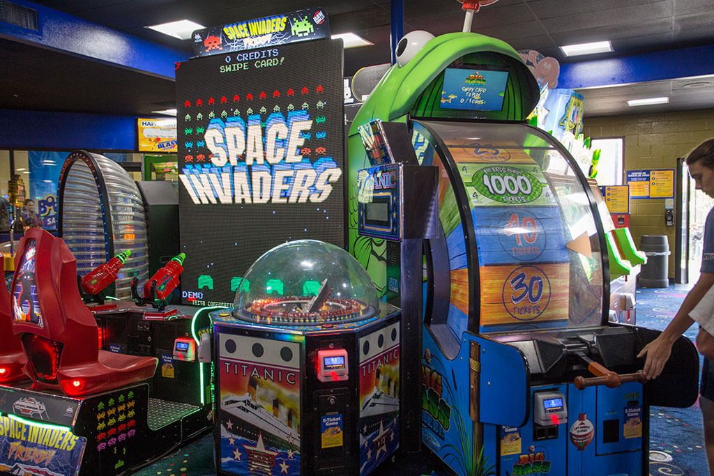 drive-swim-fly-boomers-santa-maria-california-arcade-space-invaders