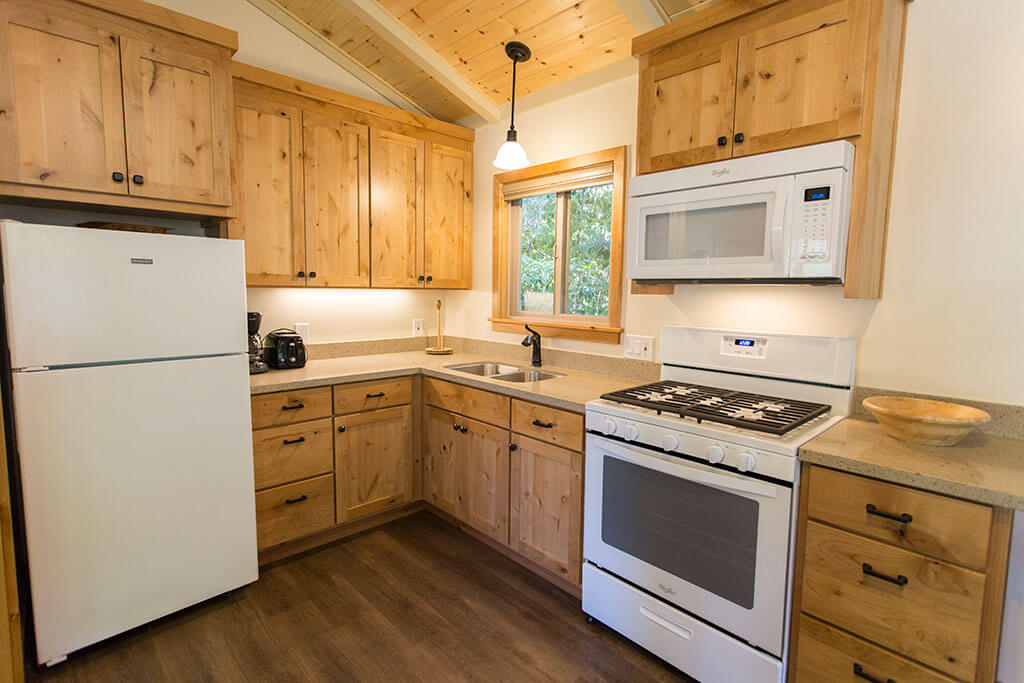 drive-swim-fly-california-mount-hermon-christian-retreat-camp-alder-cabin-kitchen