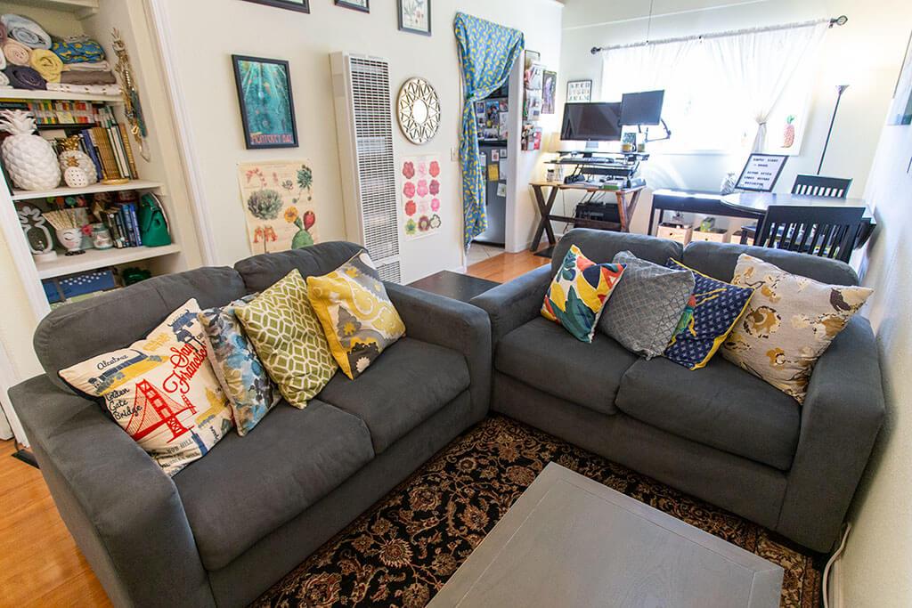 drive-swim-fly-san-juan-bautista-california-willis-cottage-living-room-love-seats-pillows
