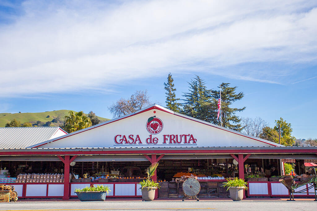drive-swim-fly-california-casa-de-fruita-roadside-attraction-pacheco-pass-highway-pit-stop-fruit-stand