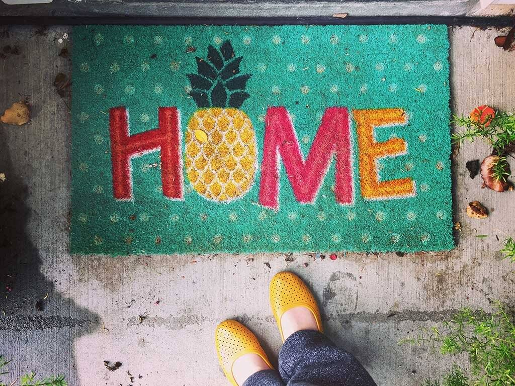 drive-swim-fly-pineapple-collection-welcome-mat