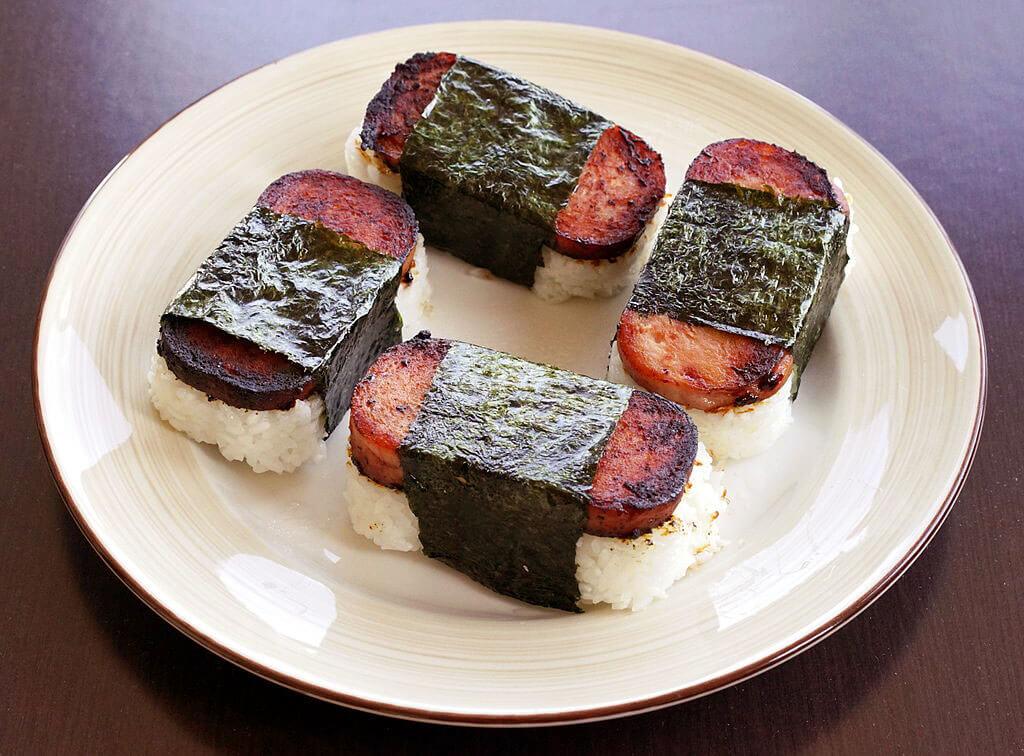 drive-swim-fly-hawaii-big-island-kealakekua-ono-home-kitchen-spam-musubi--photo-by-dllu-wikimedia