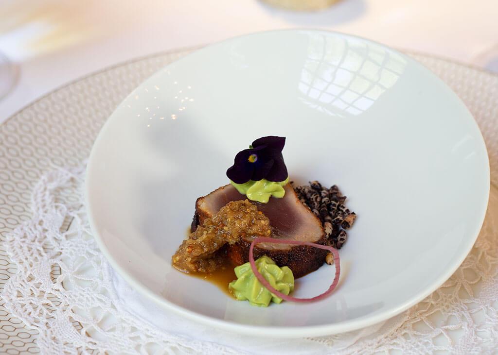 drive-swim-fly-oakhurst-california-ernas-elderberry-house-fine-dining-raw-tuna-amuse-bouche-appetizer